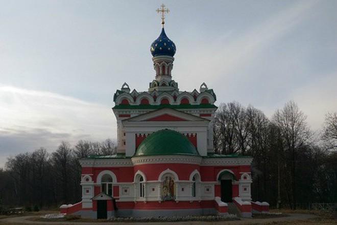 Церковь фон Дервизов. Фото