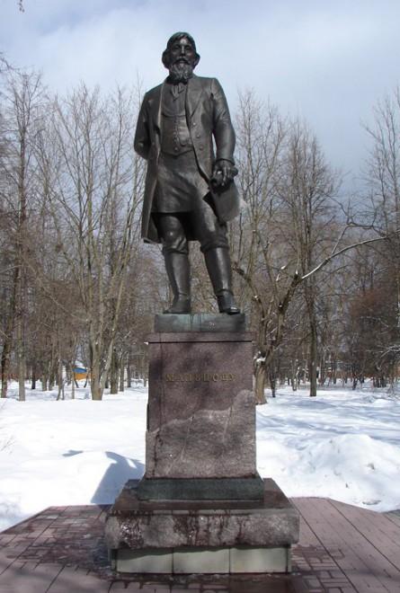 Гусь-Хрустальный - памятник Акиму Мальцову